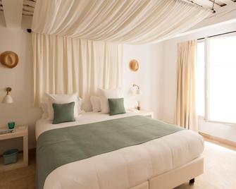 Le Vieux Castillon - Castillon-du-Gard - Bedroom