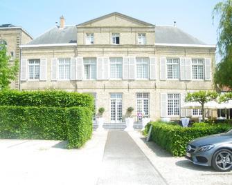 Hotel Amaryllis Veurne - Veurne - Gebäude