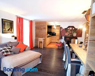 chesa la posta - Samedan - Living room