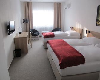Hotel Kapitol - Most - Bedroom