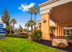 Best Western Palm Court Inn - Modesto - Building
