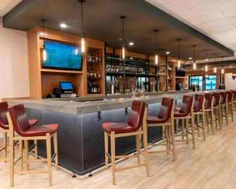 Delta Hotels by Marriott Kalamazoo Conference Center - Kalamazoo - Bar