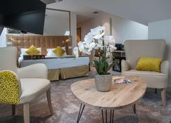 Best Western Beausejour - Lourdes - Habitación