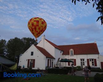 Hullebrug Bed & Breakfast - Heist-op-den-Berg - Gebouw