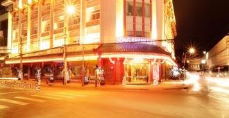 Dong Khanh Hotel - Ho Chi Minh City - Building