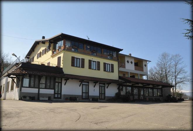 Ristorante Albergo Al Ciocco - Montefiorino - Building