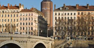 Radisson Blu Hotel, Lyon - Lyon - Outdoors view