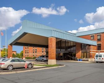 Comfort Inn Cleveland Airport - Middleburg Heights - Byggnad