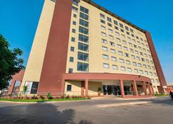 Protea Hotel by Marriott Lusaka Tower - Lusaka - Budynek