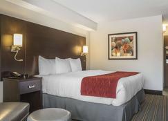 Quality Inn - Leamington - Bedroom