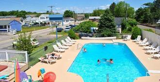 Seabreeze Motel - Old Orchard Beach - Pool