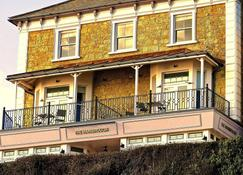 The Hambrough - Ventnor - Building