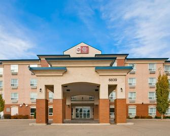 Best Western Plus Red Deer Inn & Suites - Red Deer - Building