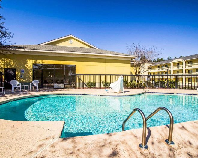 Sleep Inn and Conference Center - Augusta - Pool
