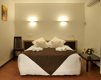 Hexagone - Mont-de-Marsan - Bedroom