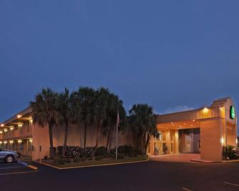 La Quinta Inn by Wyndham New Orleans Slidell - Slidell - Building