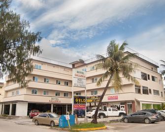 Hotel Galleria - Garapan - Building