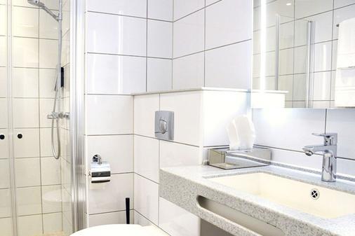 Clarion Collection Hotel Victoria - Jönköping - Bathroom