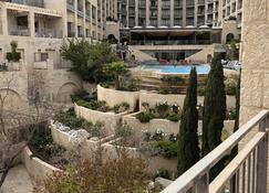 瑪米雅頂層房飯店 - 耶路撒冷