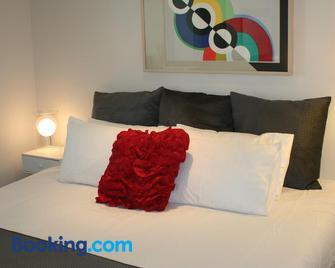 Modern Executive Apartment @ Braddon1brwinewifisecure Parkingcanberra - Braddon - Slaapkamer