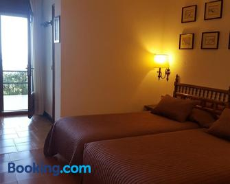 Hostal Sa Barraca - Begur - Schlafzimmer