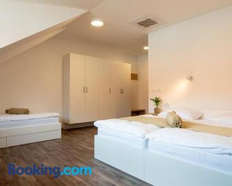 Guesthouse Stari Mayr - Крань - Bedroom