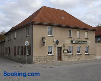Gasthaus ,,Zum schwarzen Bär' - Güsten - Edificio