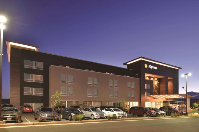 La Quinta Inn & Suites by Wyndham Page at Lake Powell - Page - Edificio