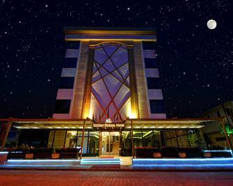 Golden Deluxe Hotel - Адана - Здание