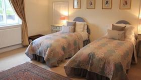 Church Farmhouse B & B - Mildenhall - Bedroom