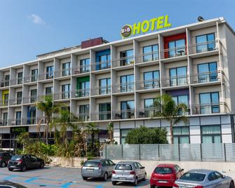 B&B Hotel Savona - Savona - Gebouw