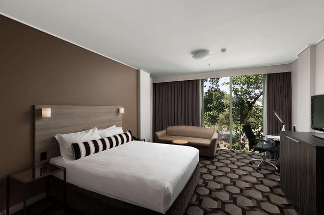 Rydges Capital Hill - Canberra - Bedroom