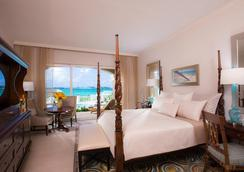 Sandals Royal Bahamian - Couples Only - Nassau - Bedroom