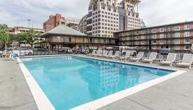 Quality Inn Downtown Historic District - Mobile - Pool