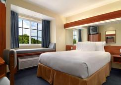 Microtel Inn & Suites by Wyndham Huntsville - Huntsville - Phòng ngủ