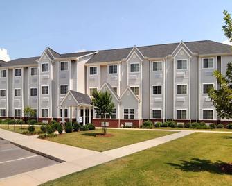 Microtel Inn & Suites by Wyndham Huntsville - Huntsville - Gebäude