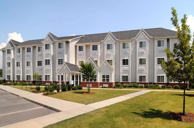 Microtel Inn & Suites by Wyndham Huntsville - Huntsville - Building