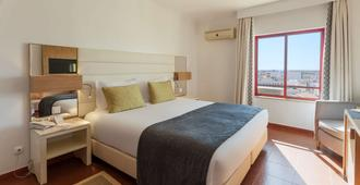 Best Western Hotel Dom Bernardo - Faro - Bedroom
