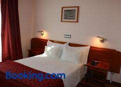 Apartamentos Turisticos Verdemar - Horta - Schlafzimmer
