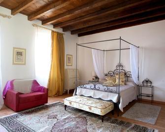 B&B Al Duomo - Lonato del Garda - Bedroom