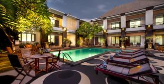 The Radiant Hotel & Spa - Kuta - Piscine