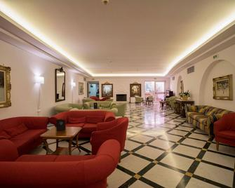 Hotel Villa Maria - Sorrento - Recepción