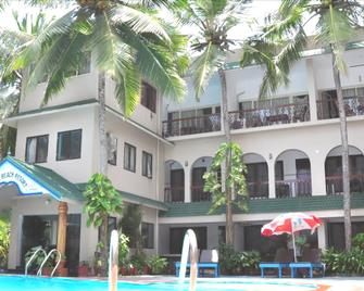 Jeevan Ayurvedic Beach Resort - Kovalam - Building