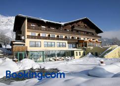 Hotel Berghof - Ramsau am Dachstein - Building