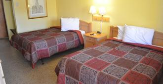 Economy Lodge - Silver Springs - Bedroom