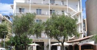 Hotel Miami - Tossa de Mar - Toà nhà