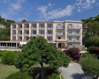 Hôtel - Restaurant Residence Beach - Cavalaire-sur-Mer - Building