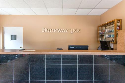 Rodeway Inn North - Sandusky - Lễ tân