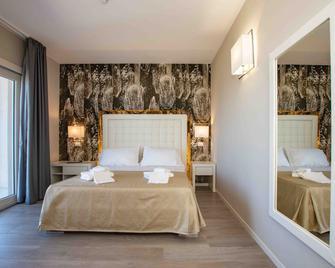 Hotel Boutique Carolina - Marina di Castagneto - Bedroom