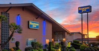 Rodeway Inn - Merced - Building